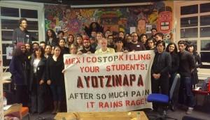 Proyección de Pancho Villa y protesta por el caso Ayotzinapa