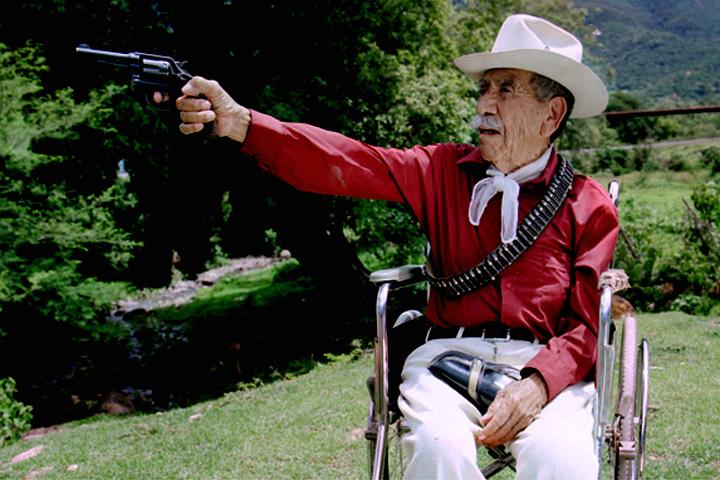 Mauricio Ramírez Cerón. Veterano del Ejército Libertador del Sur. Fotograma del largometraje documental Los Últimos Los Ultimos Zapatistas. foto: Sarah Perrig.